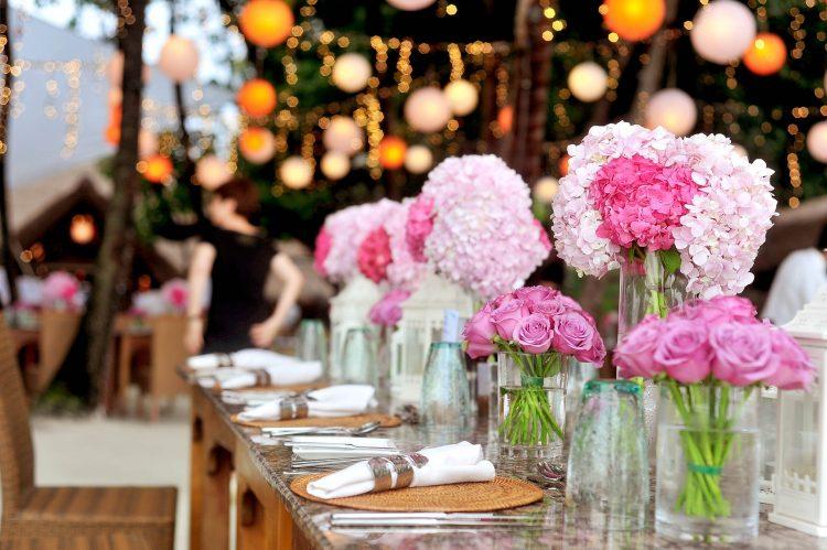 centre de table fleur rose