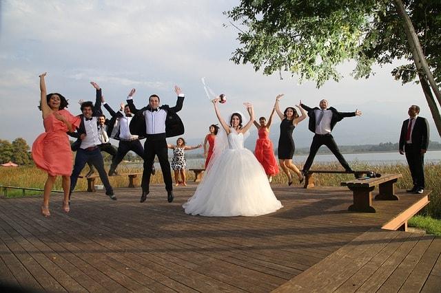 maries invites costume theme mariage